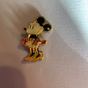 Vintage classic Minnie Mouse Disney clip on pin